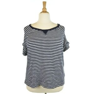 Gap Navy Blue and White Striped T-Shirt